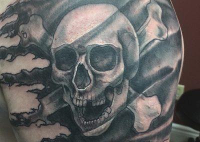 skull-flag arm